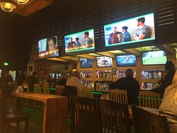 Parks & Rec Gastropub And Sports Bar