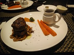 Very Nice meal in restaurant Fresco  in Bandung. The Cook yovi prepared a perfect grilled beef.