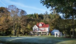 Doughton Hall Bed & Breakfast