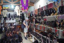 Mwenge Woodcarvers Market