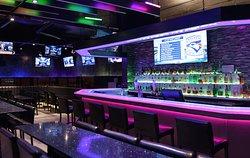 Hybrid 26 Bar & Restaurant