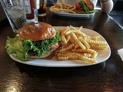 Mahoney's Restaurant & Bar