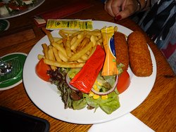 Croquettes and frites