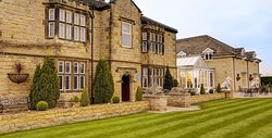 Best Western Plus Rogerthorpe Manor Hotel