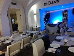 Gioja's Music Hall Lounge Bar Pizzeria