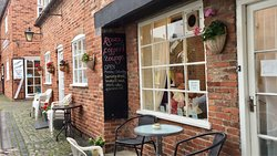 Roses Coffee Lounge & Tea Rooms