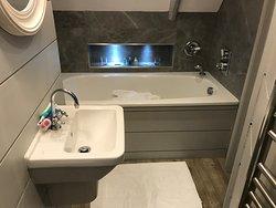 Estuary Bathroom (no separate shower)