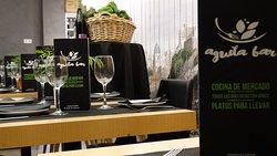 Águila Café Restaurante. La sala.