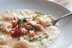 Classic Charleston Shrimp & Grits