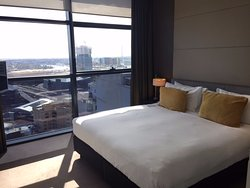 Outstanding customer service + clean room with a view!