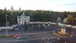 ' ' from the web at 'https://media-cdn.tripadvisor.com/media/photo-f/0d/7f/e2/00/nevsky-square-and-gate.jpg'