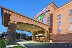Holiday Inn Express Hotel & Suites Cookeville