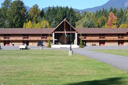 Cowlitz River Lodge
