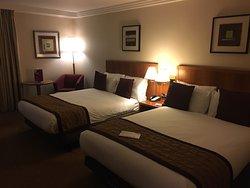 假日皇冠希斯羅酒店