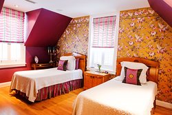 Lilac Suite - Two Twin Beds