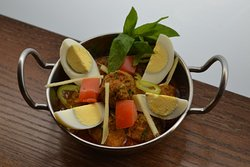 Anda Kofta (Meatballs & Eggs)