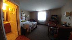 印弟安納波里斯西北蠟木飯店