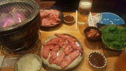 맛있는 고기집^^ 웨이팅 길었지만 맛집 강추해요.
