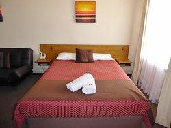 Aalbany Motel
