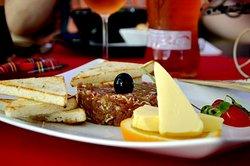 Mon Paris Restaurant & Lounge