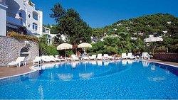 호텔 마멜라