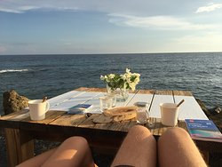 Excellent food and nice view on the sunset