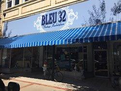 Bleu 32 Vintage Marketplace