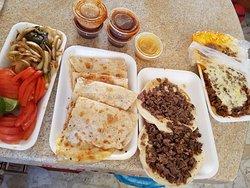 Ricos Tacos De La 24