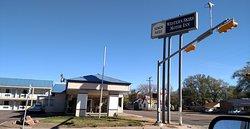 Western Skies Motor Inn