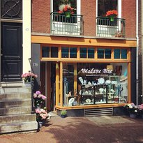 Madame Blue Delftware & Dutch Jewels