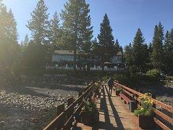 Gar Woods Grill & Pier Restaurant