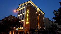 Hotel Senator Tirane