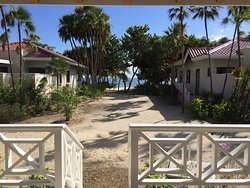 Beautiful resort, genuine service, fantastic food & drink!