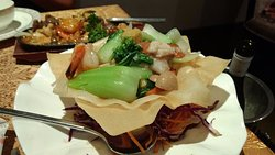 Seafood Combination Birds Nest in nest of Wonton Wrappers, good mix of seafood and veg