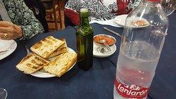 Pan tostado con aceite de oliva y tomate