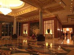 非常豪華舒適,服務周到的酒店