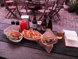 Dulcie Burger & Fries with 4 Beers we tried