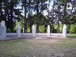Monumento a los Cinco Sabios