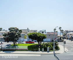 The King Room with Ocean View at the BEST WESTERN PLUS Newport Beach Inn