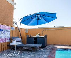The Pool at the BEST WESTERN PLUS Newport Beach Inn