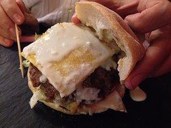 Polentaburger (Carne di fassone, insalata iceberg, pomodoro,