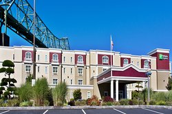 Holiday Inn Express and Suites Astoria