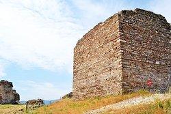 Castle of Nea Peramos (Anaktoroupoli)