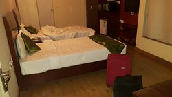 Great place if you are looking for budget accommodation. Better than any 3 star property in pune.