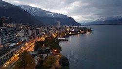 הנוף ממלון יורוטל מונטרה שוויץ