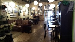 Roots Coffee Bar & Cafe