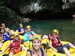 Cave Tubing.Bz