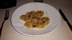 Ravioli di zucca con fave di cacao