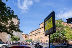Stow Your Bags - Luggage Storage & Rome Airport Transfer