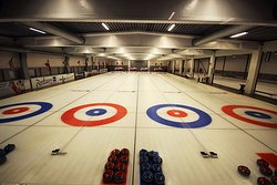 Snaroya Curlinghall